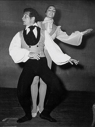 Shaike Ophir - Shaike Ophir performing with actress Ziva Rodan, 1951