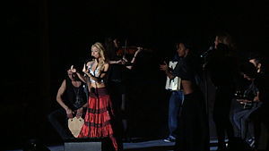 "She Wolf - Shakira performing ""Gypsy"" on The Sun Comes Out World Tour"