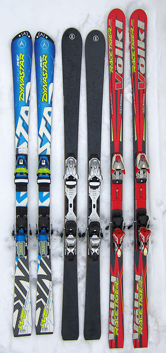 Ski geometry - Parabolic skis for slalom racing (left) and for piste carving (middle), skis with little sidecut for giant slalom racing (right).
