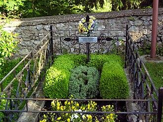 Ozalj - Grave of Slava Raškaj