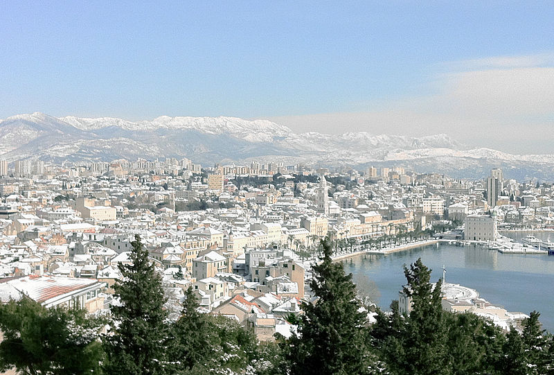 Datoteka:Snow in Split.jpg