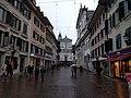 Solothurn - Doorkijkje naar kerk.jpg