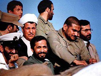 Akbar Hashemi Rafsanjani - Hashemi with some Iranian commanders of Iran–Iraq War