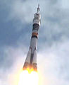 Soyuz TMA-05M rocket about 25 seconds after launch.jpg