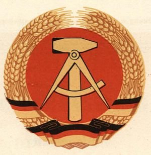National Emblem of East Germany - Image: Staatswappen der Deutschen Demokratischen Republik