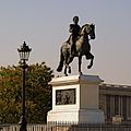 Statue of Henri IV in Paris. April 24, 2010.jpg
