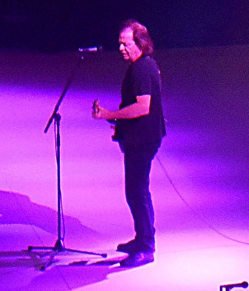 Stevie Young with ACDC Tacoma WA Feb 2 2016.jpg