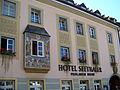 Straubing-Theresienplatz-9-Fassade.jpg