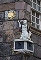 Sundial (4540505307).jpg