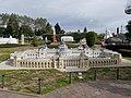 Széchenyi-Heilbad in Mini Europe.jpg