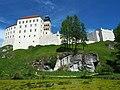 Szlak Orlich Gniazd 0125 - zamek w Pieskowej Skale.jpg