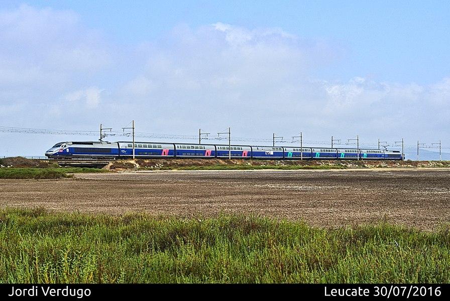 TGV Réseau-Duplex dirección Perpiñán, en Leucate