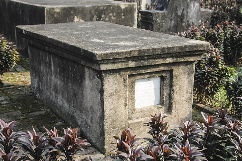 File:TNTWC - Grave of Henry Donnithorne 02.jpg