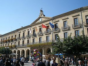 Tafalla - Plaza de Don Francisco de Navarra 8.jpg