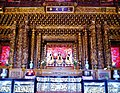 Taipeh Guandu Temple Haupthalle Innen 03.jpg