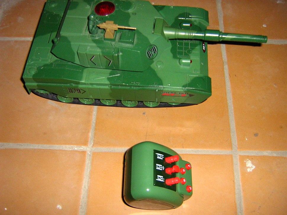 Tank toy radio