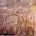 Tempio di Luxor, Alessandro Magno, accompagnato da Horo (Ra-Horakhty) è condotto al cospetto di Amon.jpg