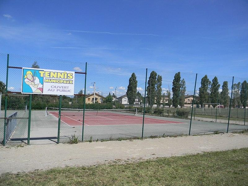 Court de tennis municipal de Chavanoz.