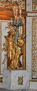Sculpture de femmes portant un candélabre
