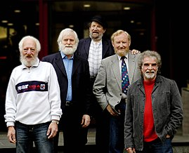 From left to right: Eamonn Campbell, John Sheahan, Barney McKenna, Séan Cannon and Patsy Watchorn (approx. 2005)