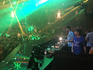 The Chainsmokers at Hakkasan Night Club, Las Vegas - 35037283122.jpg