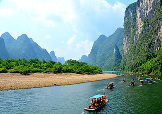 Li River - Tourist rafting boats cruises from Xingping on the Li River