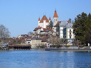 Thun from lake.jpg