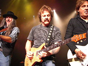 Tom Johnston (musician) - Doobie Brothers (Pat Simmons and John McFee, incl.) enjoying playing together still after four decades of success