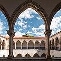 Tomar-Convento de Cristo-Claustro da lavagem-20140914.jpg