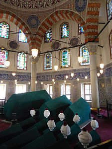 Tomb of Sultan Murad III - 06.JPG