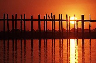 Mandalay Region - Image: U Bein Bridge Der Fussi