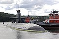 US Navy 090831-N-8467N-002 The Los Angeles class submarine USS Helena (SSN 725) gets underway from Submarine Base New London.jpg