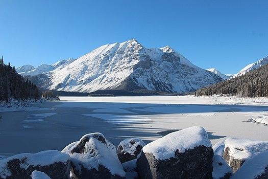 File:Upper_Kananaskis_lake_Alberta_Canada_December_2014_(15845647869).jpg