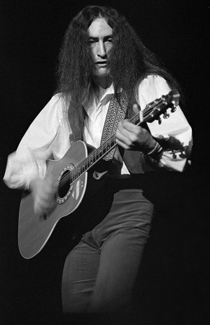 Ken Hensley - Hensley performing with Uriah Heep in 1977.