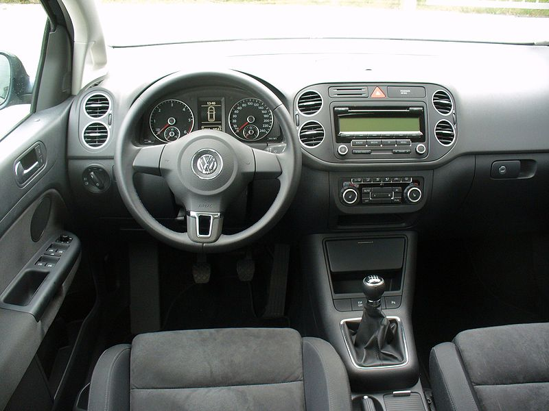 Datei:VW Golf Plus 2.0 TDI Highline Interieur.JPG – Wikipedia