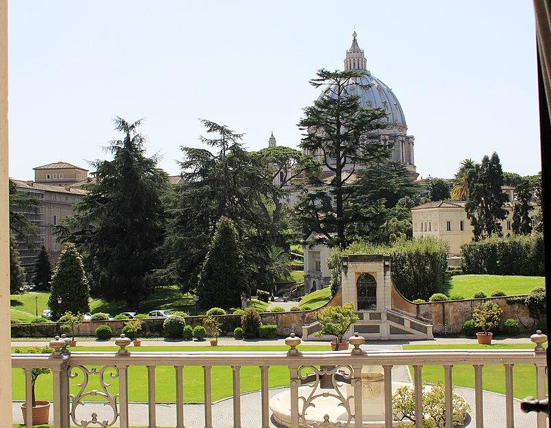 Vatican Museums 2011 3.jpg