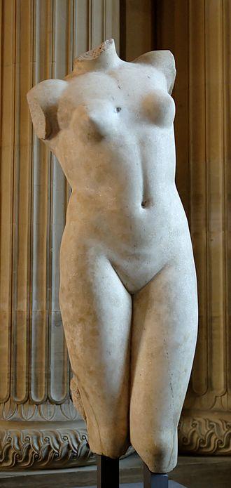 Esquiline Venus - Image: Venus Esquilin type Louvre MND1908