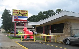 Vicksburg, Mississippi. Pawn & Gun Shop.