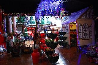 Tlalpujahua - Inside Casa de Santa Claus shop