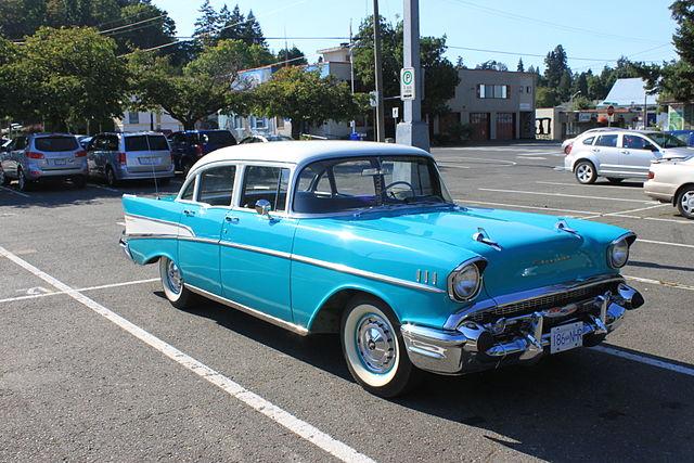 File:Vintage Car.jpg