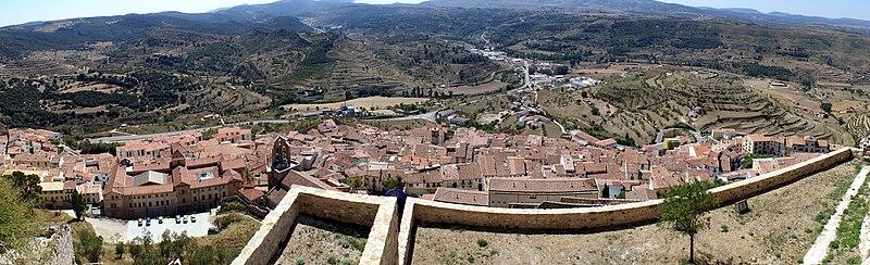 Vista panoràmica de la localitat des del castell