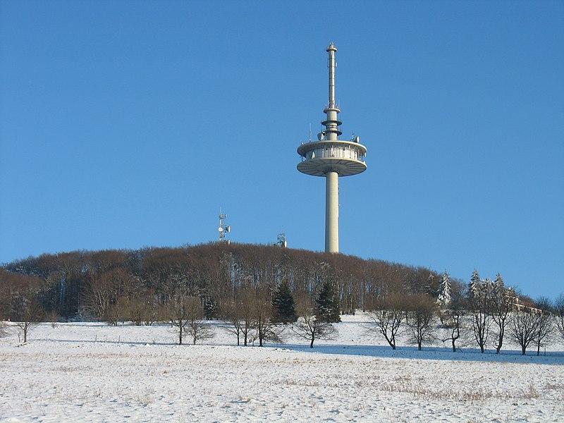 File:Vogelsberg Hoherodskopf02 2012-02-05.jpg