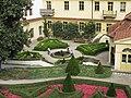 Vrtbovská zahrada z třetího parteru.JPG