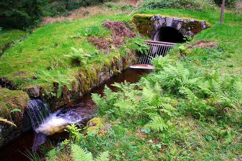 Wasserregal Einlauf Rothenberger Wasserlauf