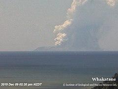 White Island 9 December 2019 eruption.jpg