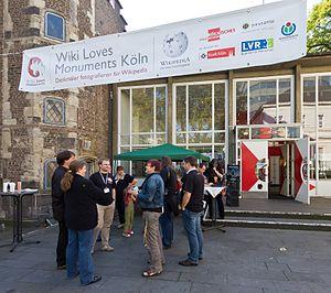 Der WLM-Stand vor dem Stadtmuseum Köln. Foto: Raimond Spekking/cc-by-sa-3.0