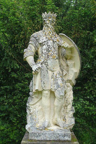 File:Woden - Saxon Deities, Stowe - Buckinghamshire, England - DSC07908.jpg