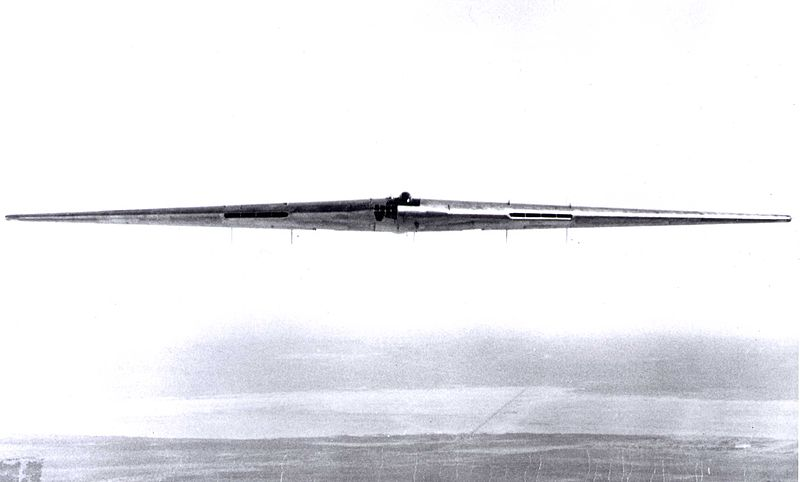 Les géants des airs : Le Northrop YB-49 [Italeri 1/72] 800px-YB49_300