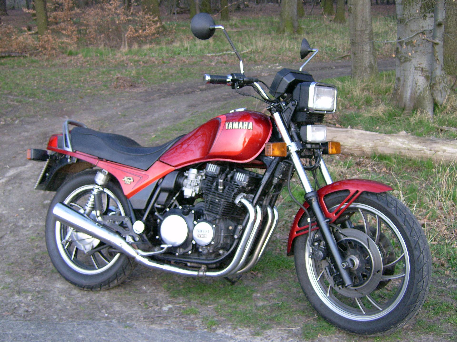 ② Yamaha XJ 750 Seca (11M) 1982 - Motos   Yamaha   2ememain