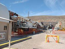 Entrada sur a Yucca Mountain, futuro cementerio nuclear